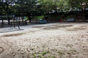 L'Ajuntament de Berga alça aquesta setmana el nou parc infantil de la Font del Ros