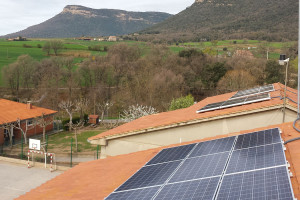 Avià es converteix en el primer municipi de l'Estat que pot instal·lar plaques solars a totes les cases