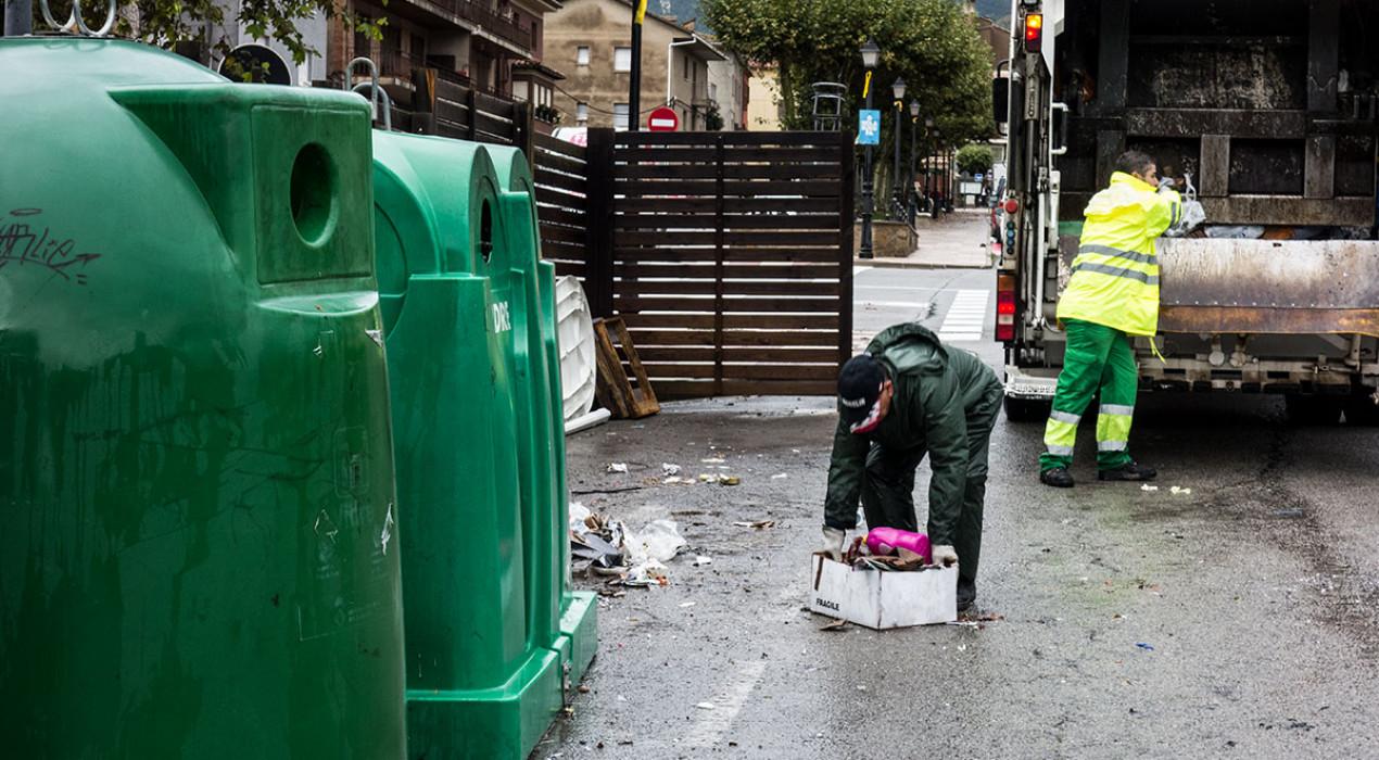 La recollida porta a porta a l'Alt Berguedà seguirà sent als matins, tot i el malestar d'alguns veïns