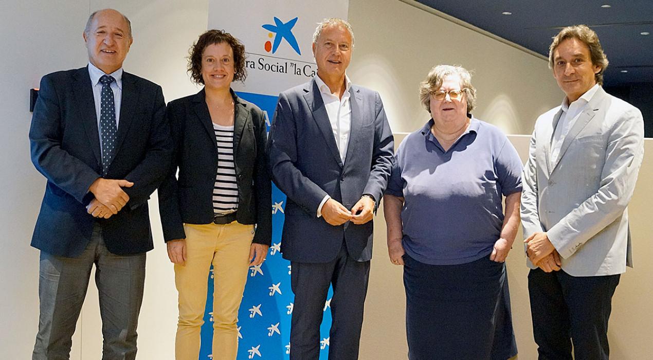 L'Obra Social de Caixa Bank dona 25.000 euros per atendre i donar feina als membres del Taller Coloma