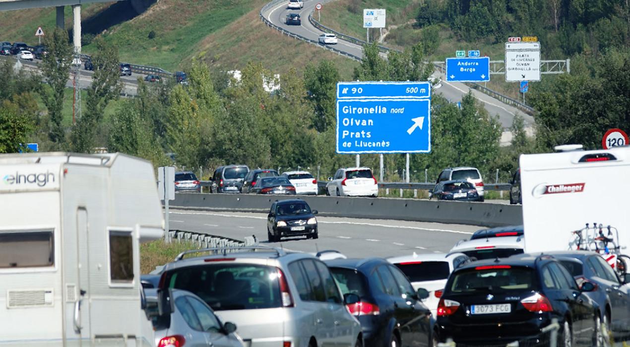 L'inici del pont del Pilar col·lapsa el Berguedà: cues quilomètriques a la C-16 entre Gironella i Cercs