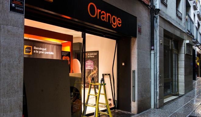 orange-berga-robatori