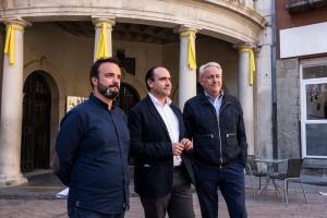 El PP amenaça amb denunciar l'Ajuntament de Berga si no retira l'estelada i els llaços grocs de la façana