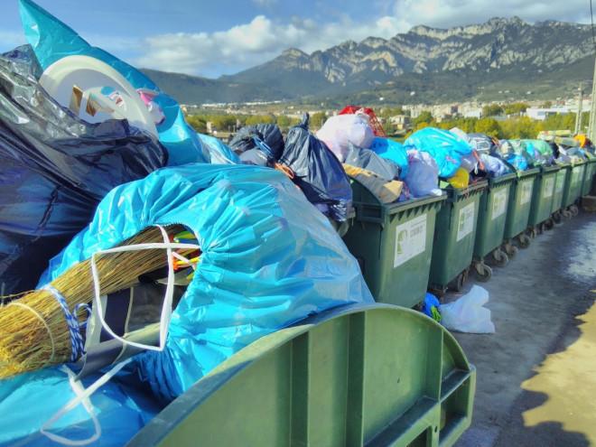 Retirada de contenidors el dia abans de la recollida porta a porta
