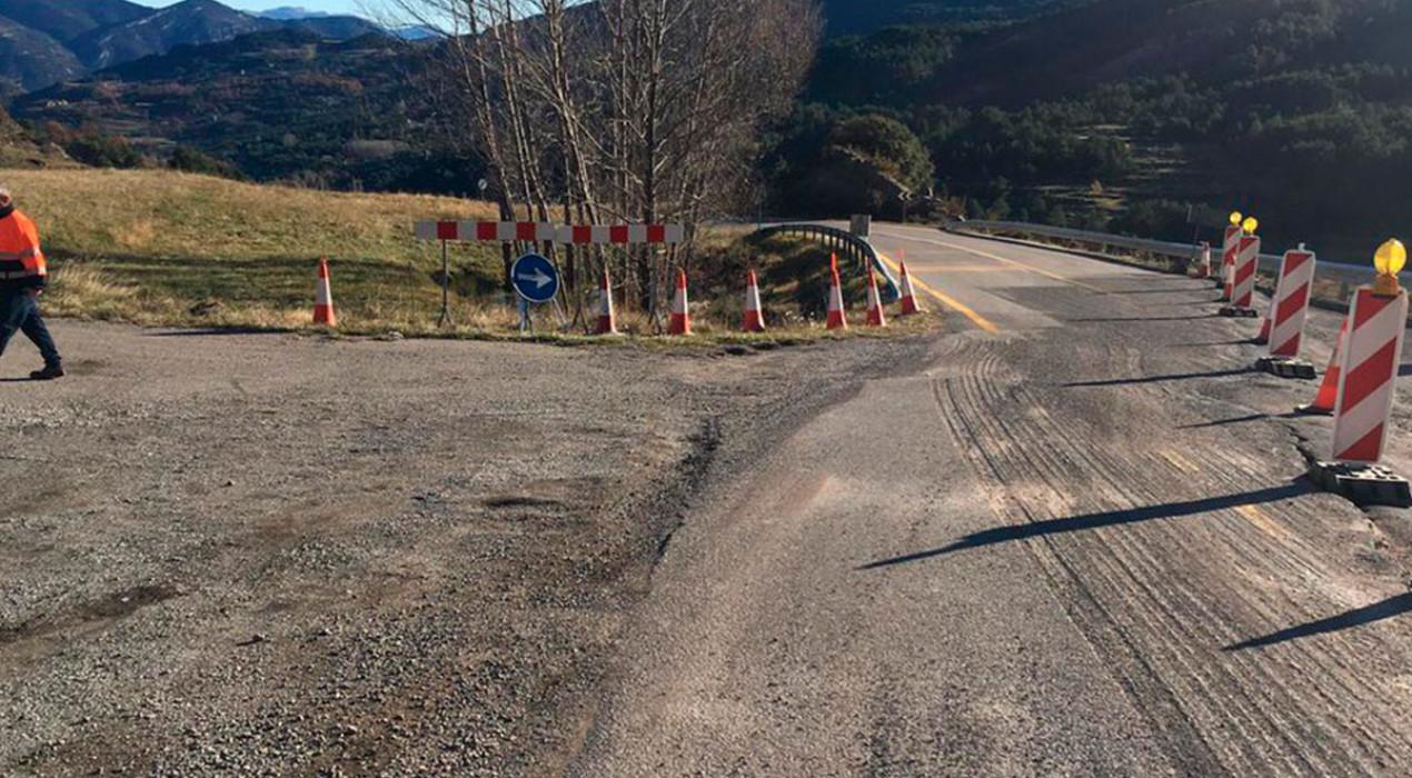 """La Generalitat preveu arreglar """"en breu"""" l'esquerda gegant de la carretera entre Saldes i Gósol"""