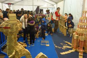 La Fira del Joc i el Nadal de Berga amplia l'espai per jugar sota les carpes del Vall i a l'aire lliure