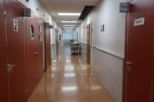 Els treballadors de l'hospital denuncien poca neteja de les habitacions i els espais comuns