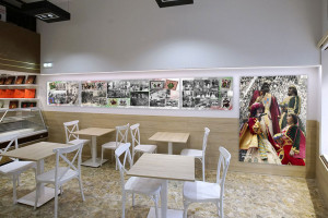 Revolució a la plaça de Sant Pere: l'antiga farmàcia es converteix en una pizzeria i la Dolceria Pujol en una cafeteria