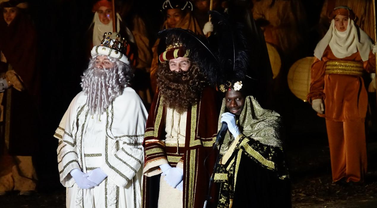 El Berguedà rep els Reis Mags amb fanalets de llum, il·lusió i desitjos d'any nou