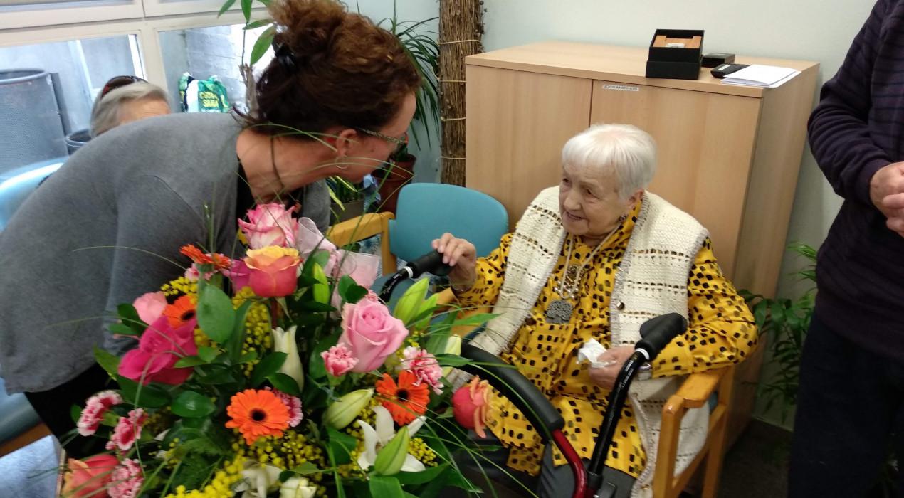 Bagà homenatja la centenària Rosa Castella