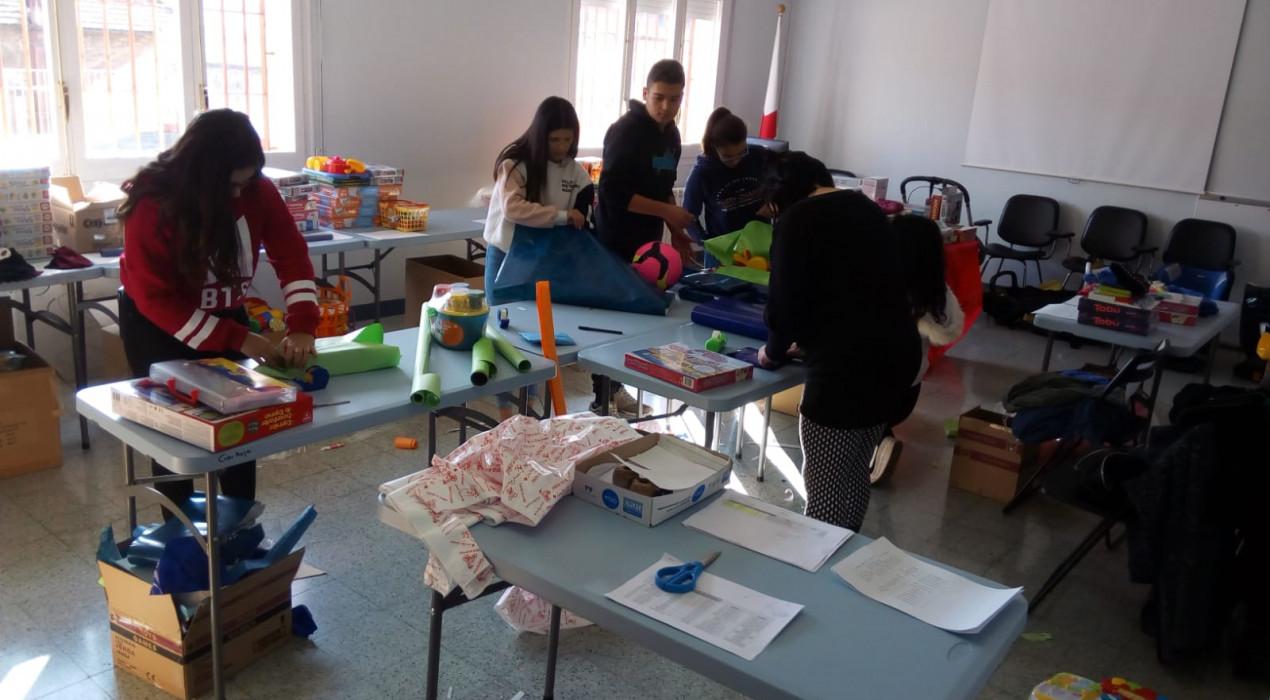 Creu Roja Joventut aconsegueix 342 regals per als nens del Berguedà