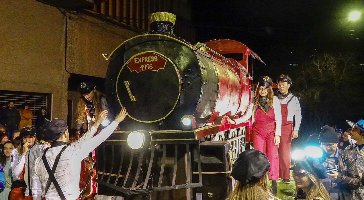 La generació del 96 trenca pronòstics i s'endú el premi gran del Carnaval de Berga