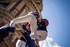 Els Castellers de Berga descarreguen dos castells de 7 al Portal de l'Àngel de Barcelona