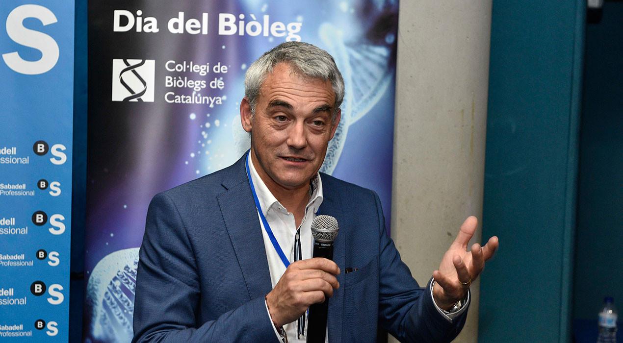 El biòleg berguedà Gerard Passola rep el premi a l'emprenedoria del Col·legi de Biòlegs de Catalunya