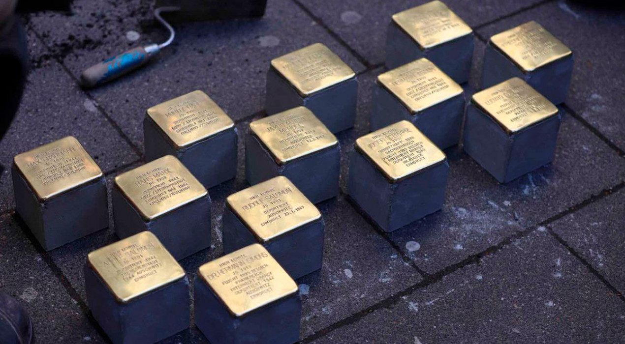 19 llambordes d'or recordaran per sempre els deportats de Gironella i Puig-reig a camps de concentració nazis