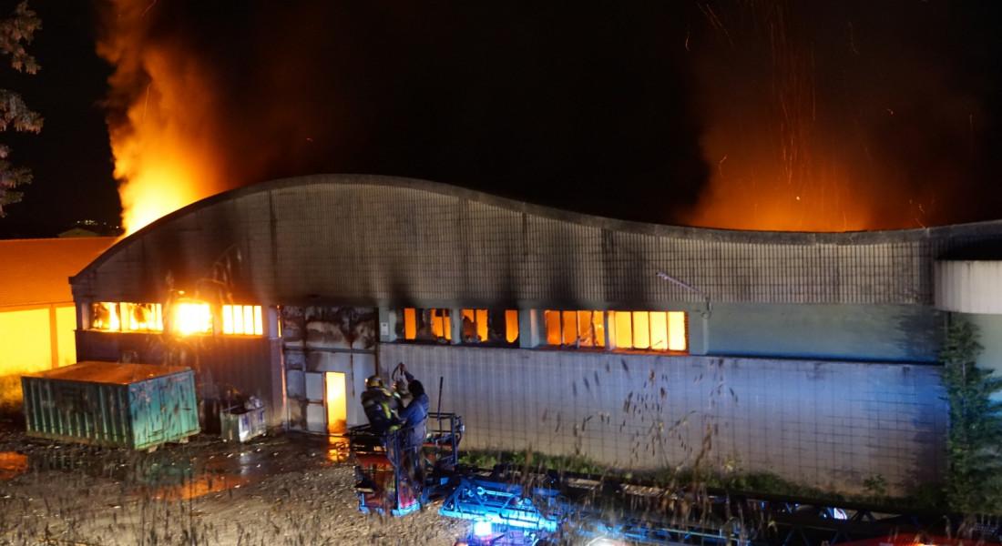 Incendi a la fàbrica Fibresa d'Avià