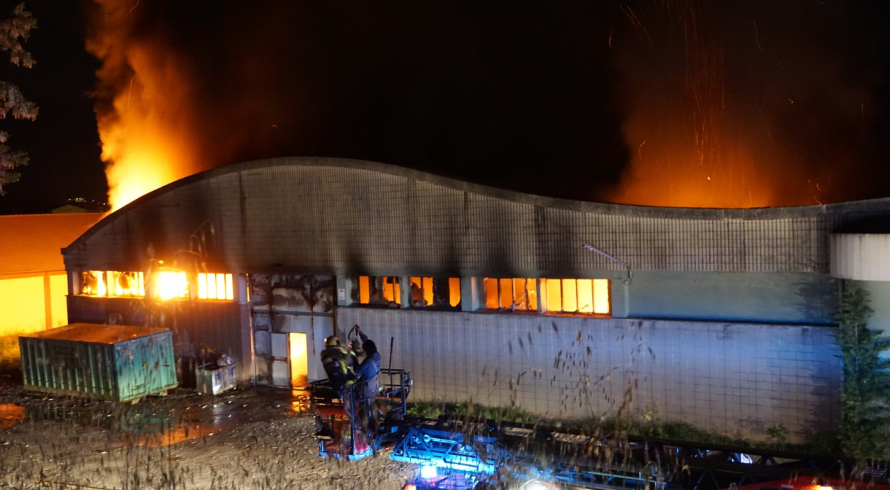 Crema la fàbrica Fibresa d'Avià