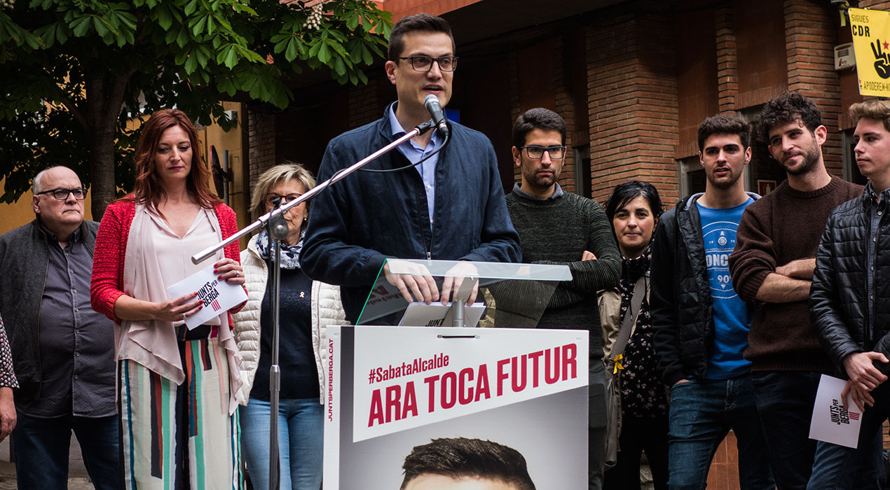 """Junts per Berga enceta campanya carregant contra els forats dels carrers i prometent """"una ciutat segura i endreçada"""""""