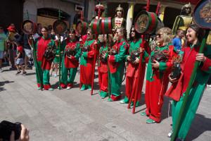 Vuit maces, vuit dones: les imatges d'un matí històric per a la Patum de Berga