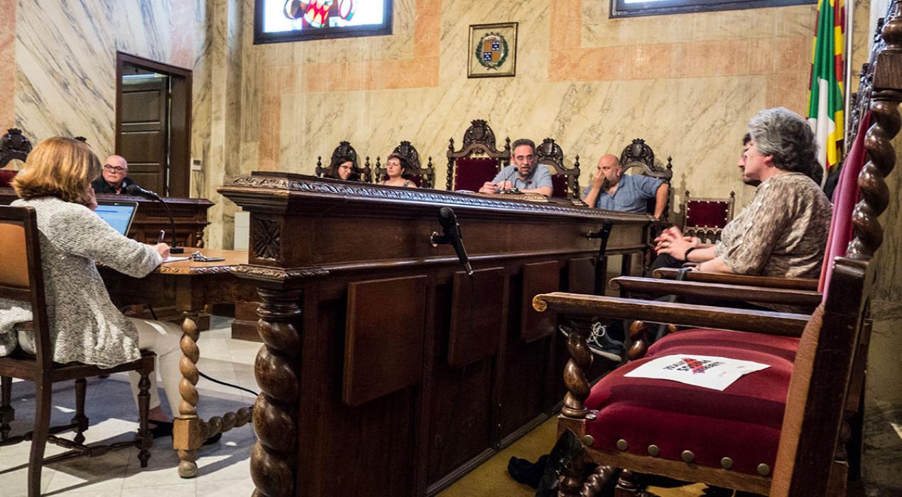 Berga pressiona perquè l'Estat permeti als electes amb permís de paternitat o maternitat votar als plens