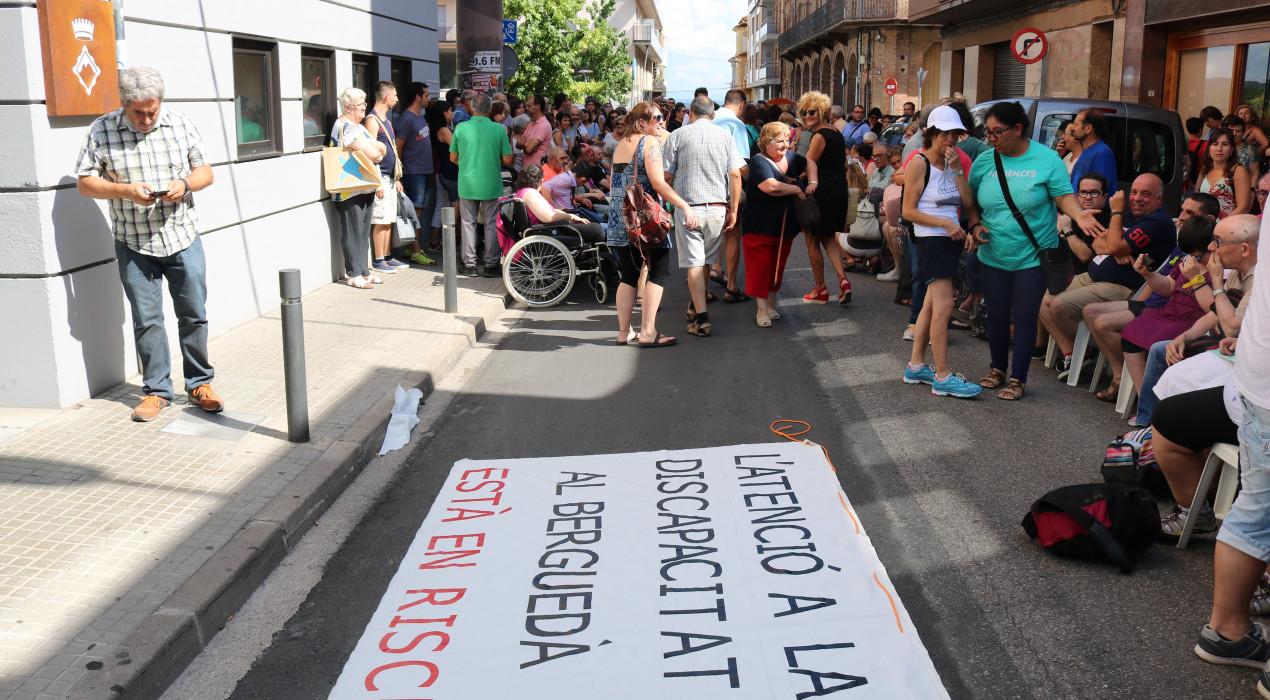 Institucions comarcals, ajuntaments i la Generalitat s'organitzen per trobar solucions al problema econòmic que travessa l'Associació Pro Disminuïts Psíquics del Berguedà