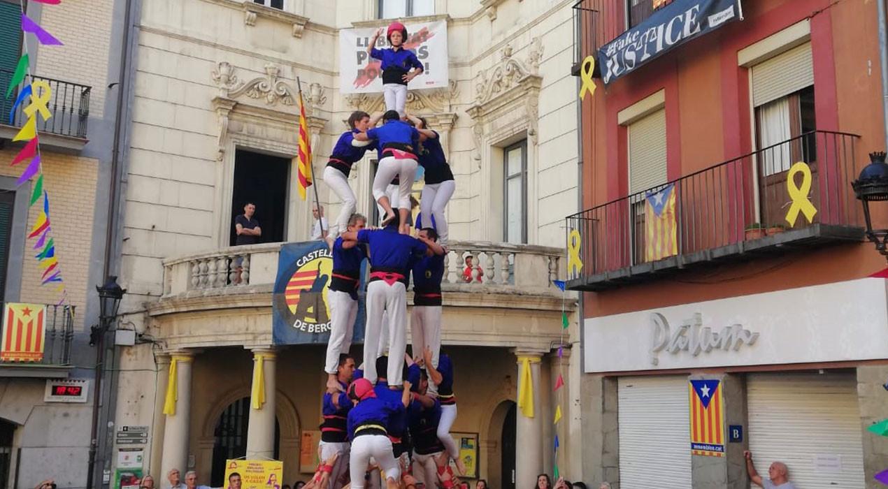 Els Castellers de Berga descarreguen tres castells de 7 i fan la millor actuació de la temporada