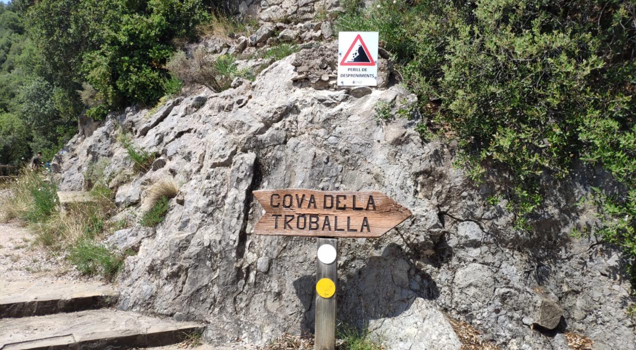 L'Ajuntament de Berga reobre el camí de ronda de Queralt tancat per despreniments