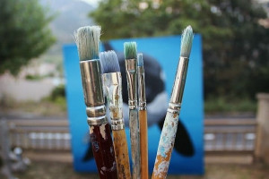 '(Cons)ciència', la proposta de pintura solidària per finançar el tractament mèdic d'una nena