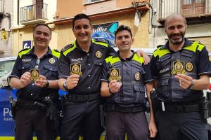 La Policia de Berga ven escuts per contribuir a la construcció de l'hospital d'oncologia infantil més gran d'Europa