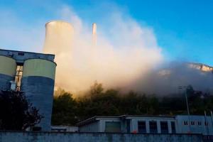 Falsa alarma a la central tèrmica de Cercs: el núvol de pols no era tòxic, sinó fruït de les obres en un edifici