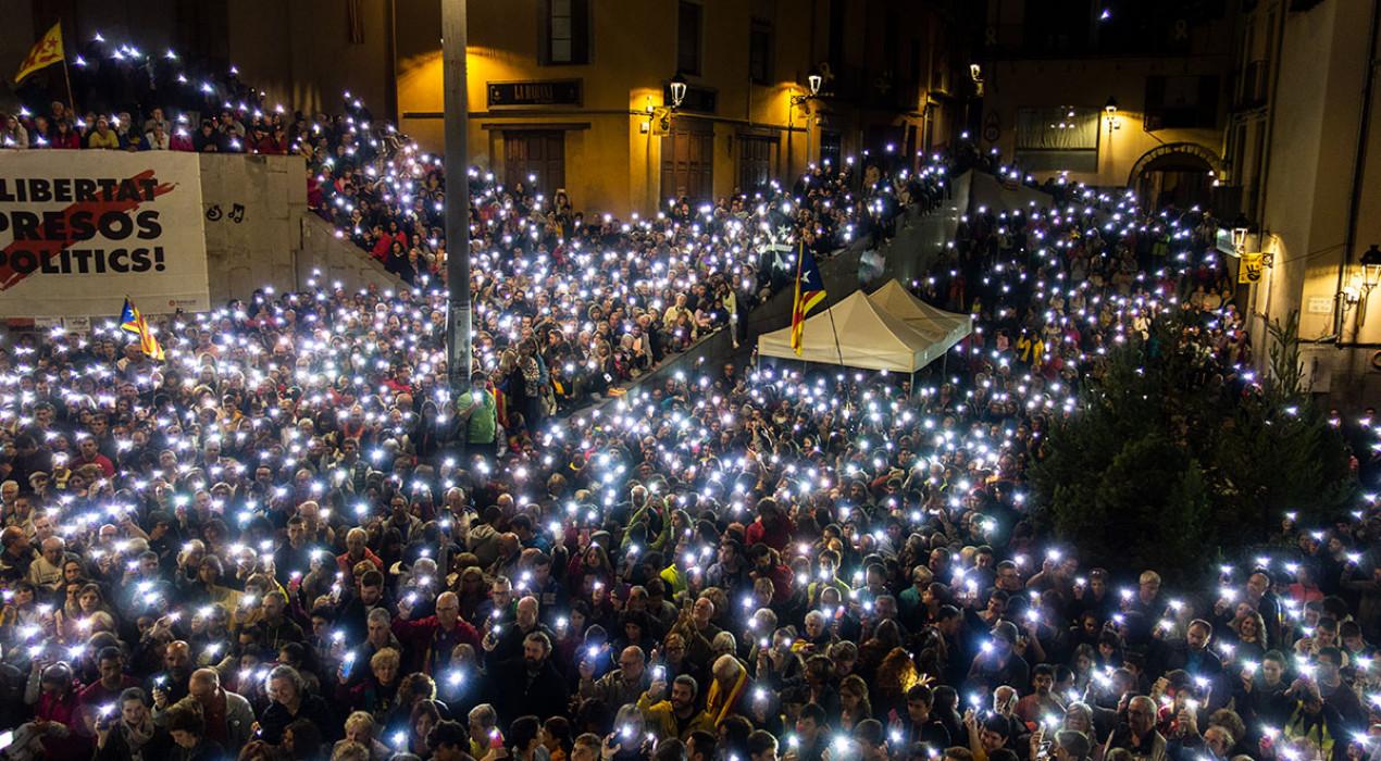 Més de 3.000 persones del Berguedà es manifesten a Berga contra la sentència
