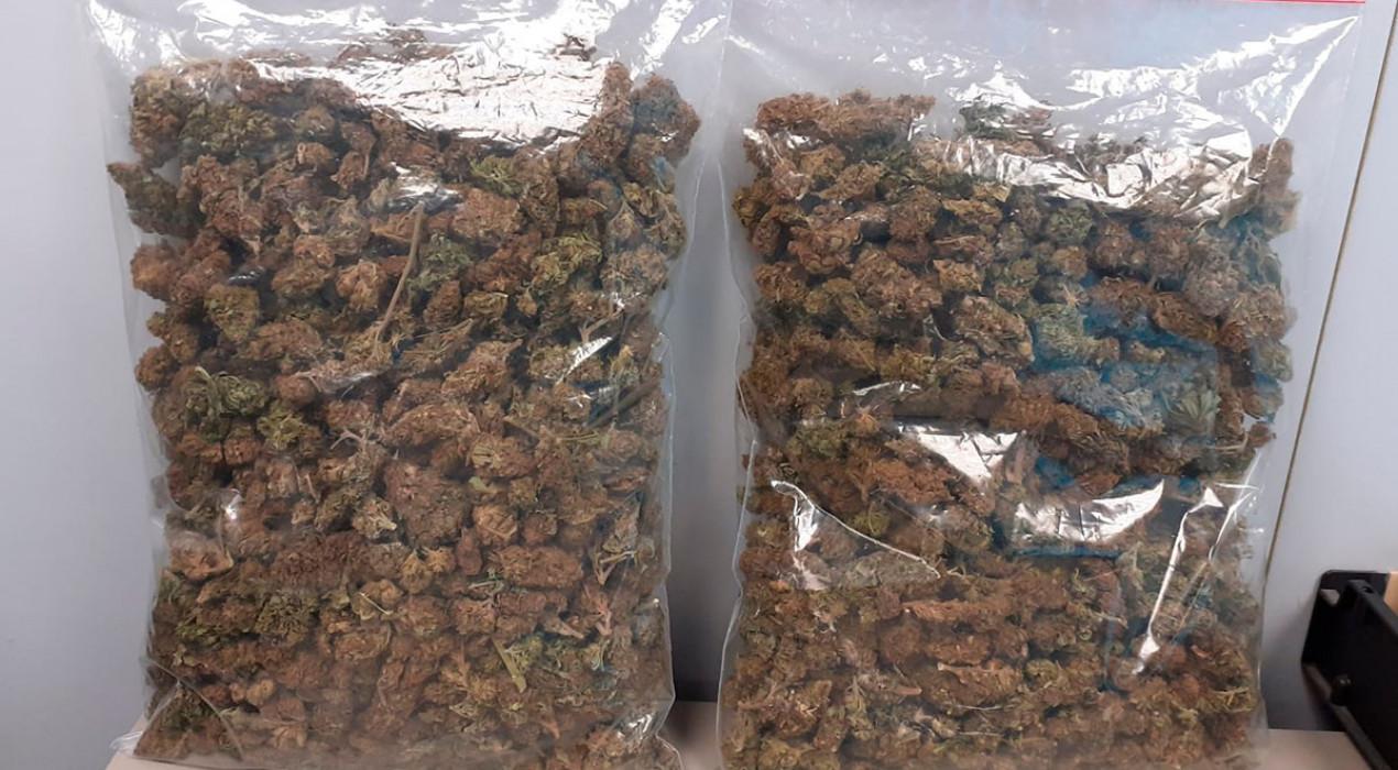 Dos detinguts a Berga per transportar mig quilo de marihuana