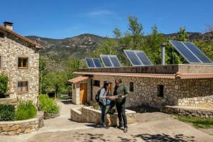 La Generalitat destina 3,5 milions d'euros a ajuts per als treballadors del sector turístic afectats pel Covid-19
