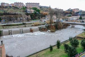 Gironella retira els cotxes dels carrers de la vora del Llobregat i confina els veïns de la zona a casa