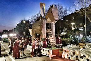 La generació del 98 s'endú el premi gran del Carnaval de Berga amb un impressionant cavall de Troia