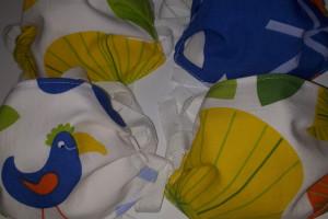 Una desena de cosidores de Casserres fan 200 mascaretes infantils per repartir a totes les cases del poble amb infants