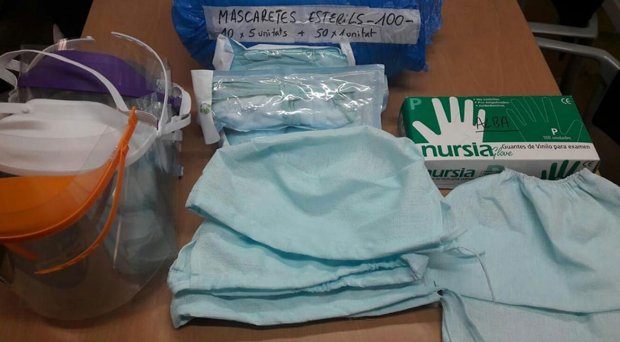 El voluntariat de l'Alt Berguedà distribueix milers de bates, mascaretes i material de protecció a sanitaris i residències de la zona