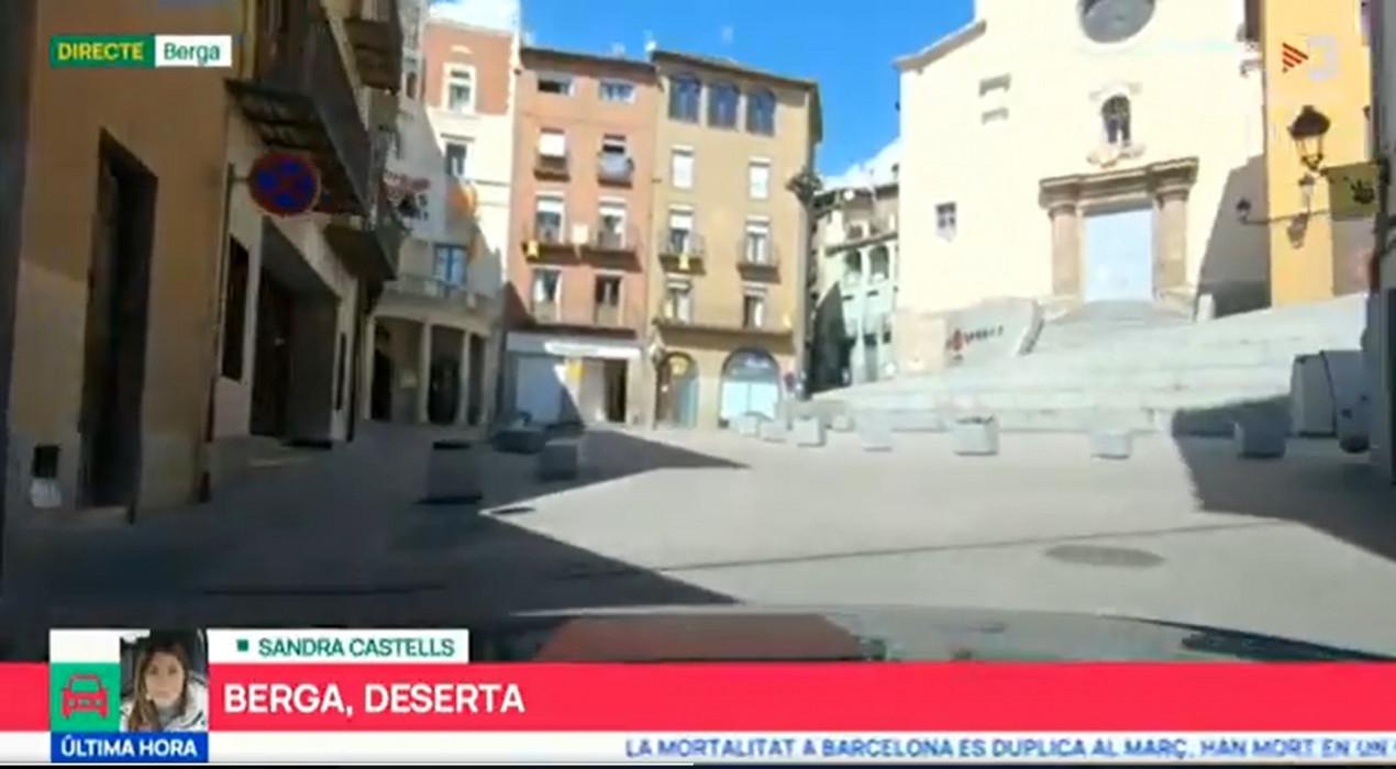 El cotxe del programa 'Planta Baixa' de TV3 recorre els carrers buits de Berga