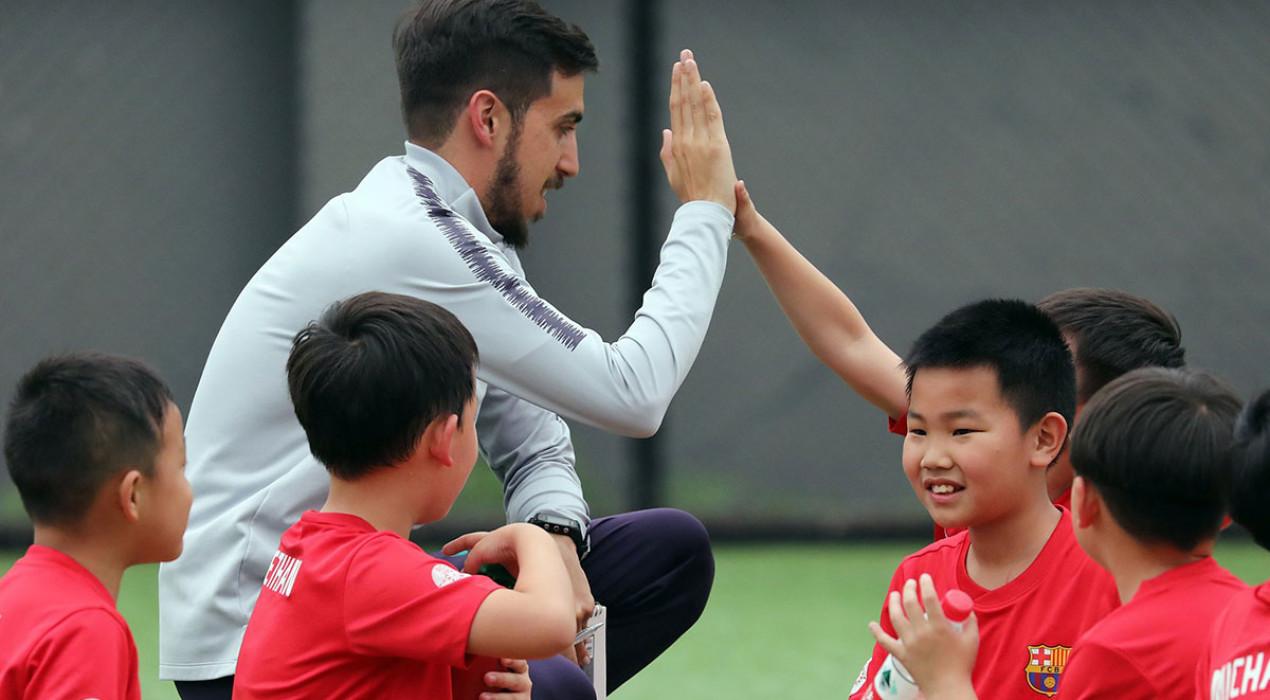 """Albert Corominas, director de la Barça Academy de Chengdu: """"Ara el problema és aquí, la Xina torna a la normalitat"""""""