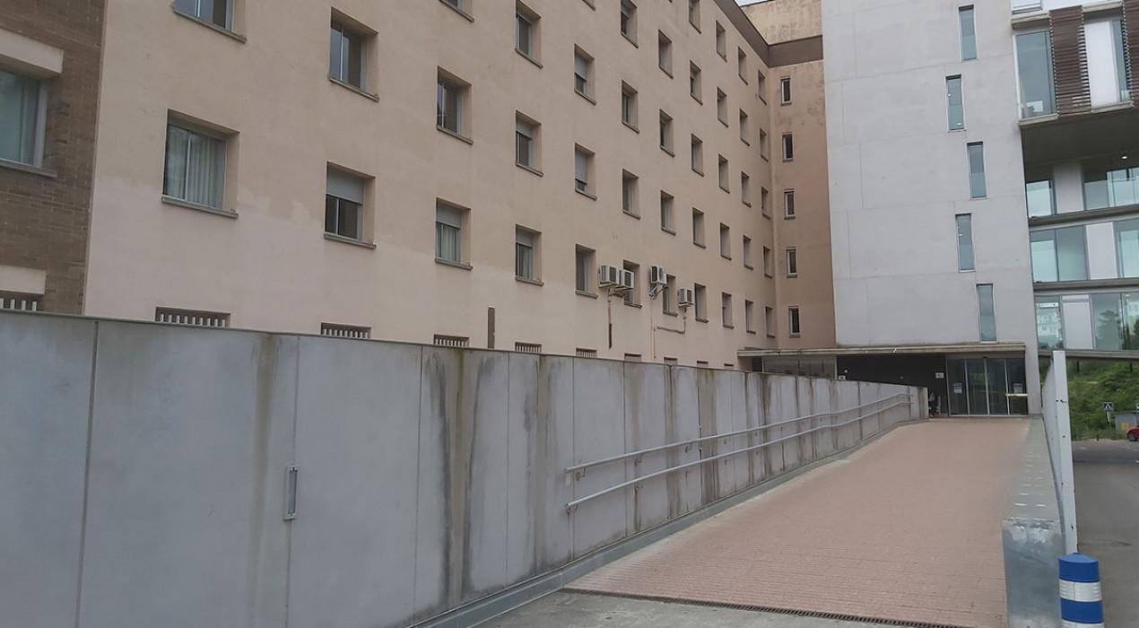 L'hospital de Berga passa de 22 a 13 positius ingressats i torna a permetre visites a partir de dissabte