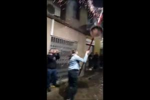 Polèmica per un vídeo de la primera tinent d'alcaldessa de Berga fent un salt de maces el primer dia de Patum confinada