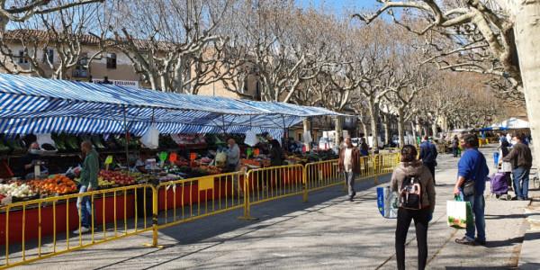Foto-Mercat-setmanal-de-Berga-confinament-1270x700