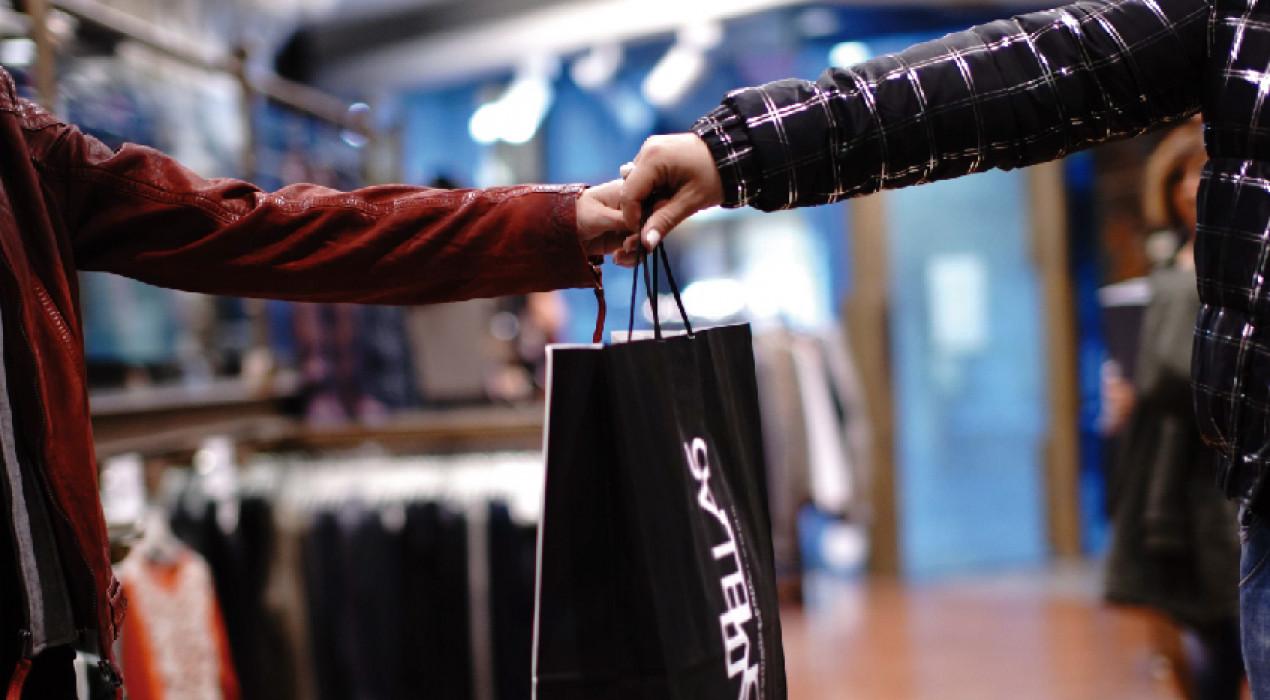 El Berguedà llança un concurs de fotografia sobre el comerç de proximitat i sorteja fins a 900 euros en vals de compra