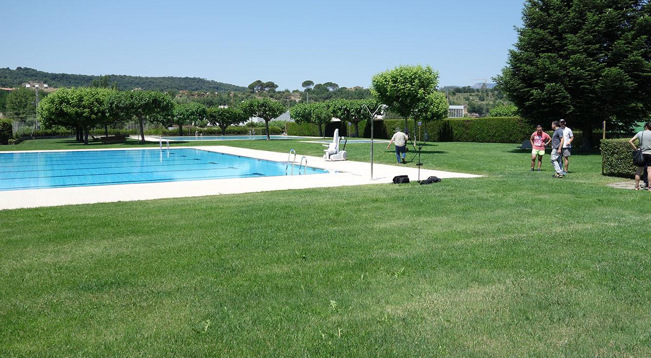 La piscina de Gironella es llança a la tramitació electrònica: tots els abonaments i les entrades s'hauran de comprar per internet