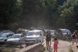 Prohibeixen l'accés en cotxe a Pedret els caps de setmana per evitar la massificació de la zona