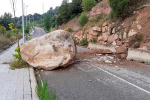 Un nou despreniment obliga a tallar el vial que enllaça la carretera que travessa Puig-reig i la que porta a Casserres