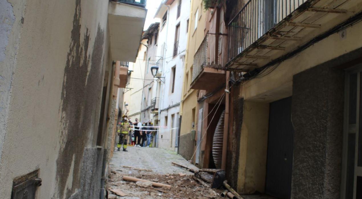 L'Ajuntament de Berga haurà de pagar una primera demolició a la casa esfondrada al barri vell davant el silenci de la propietat