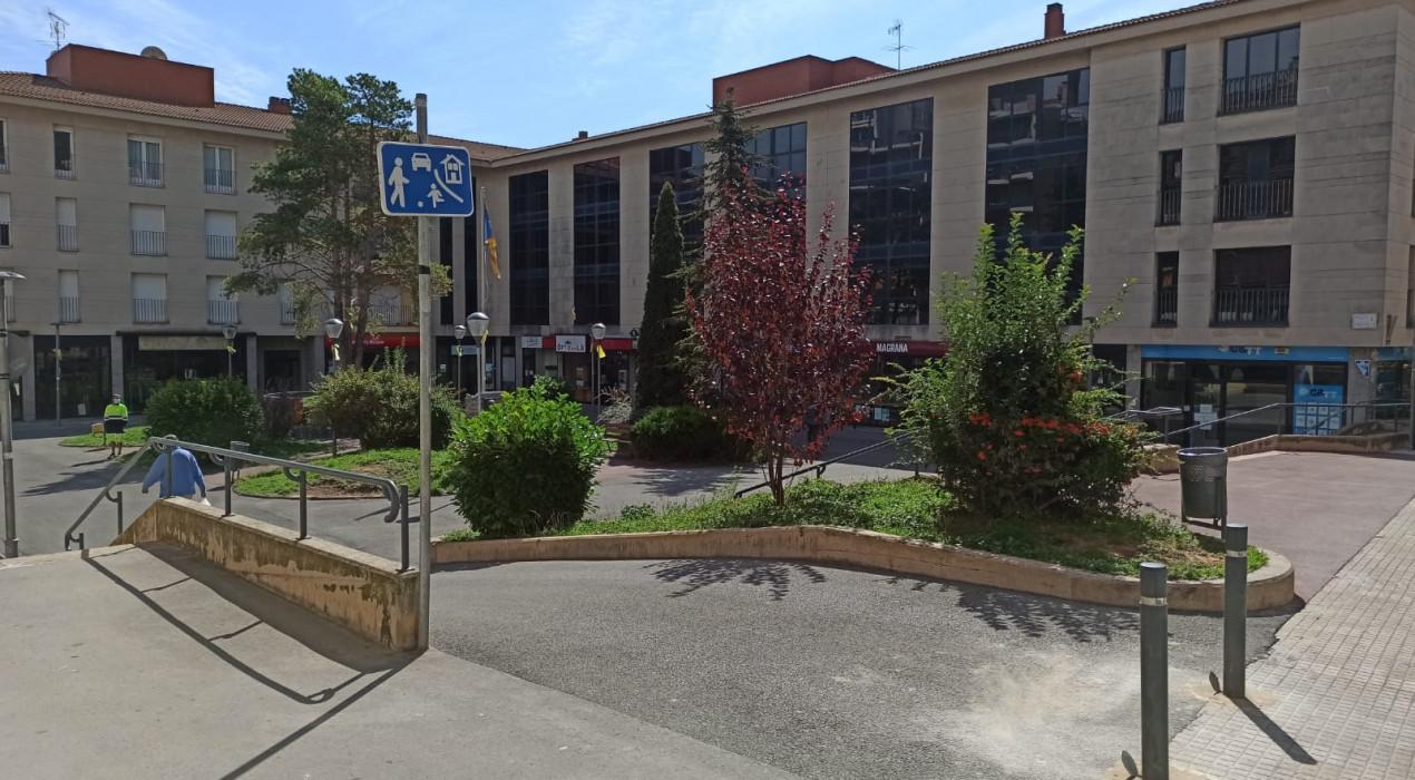 La plaça dels Països Catalans de Berga diu adeu als cotxes