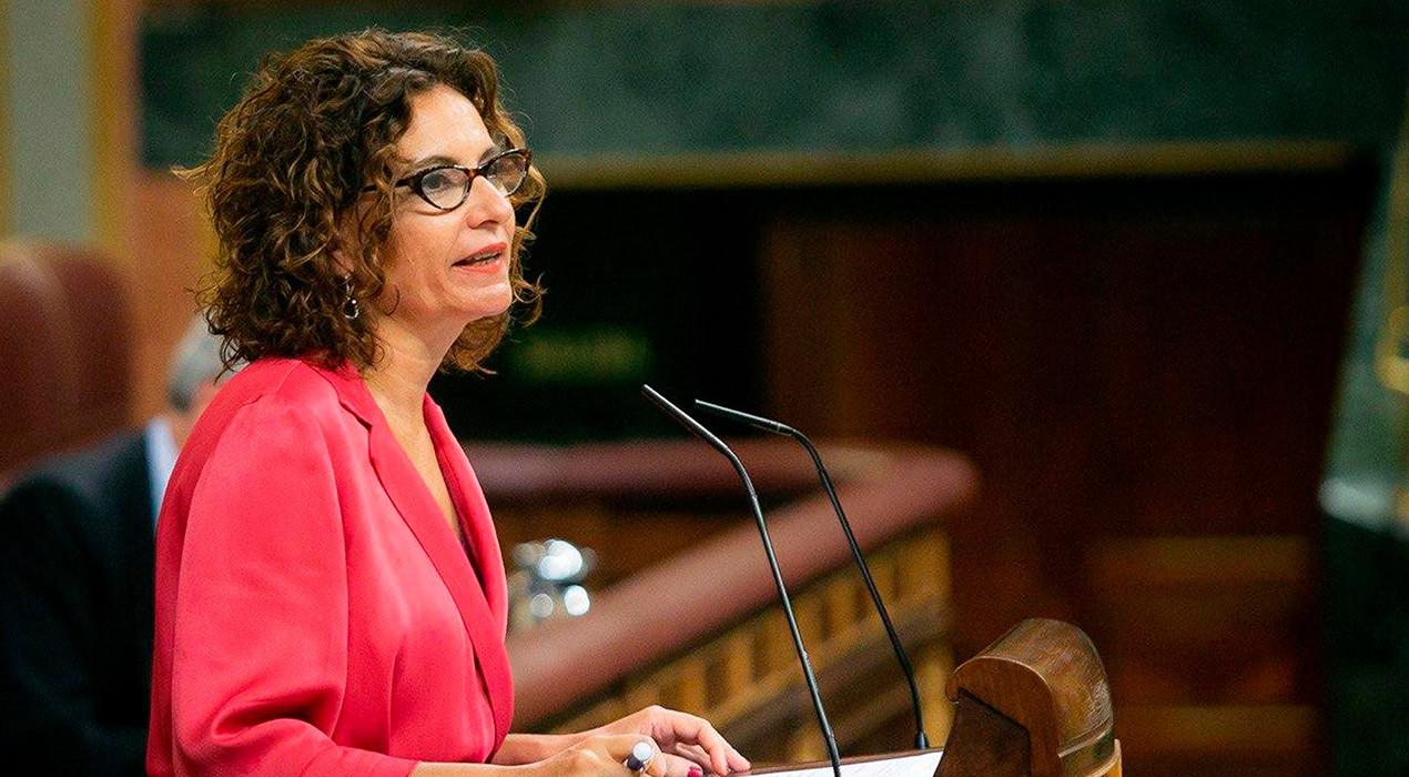 El govern espanyol fa marxa enrere i permet als ajuntaments gastar el seu superàvit