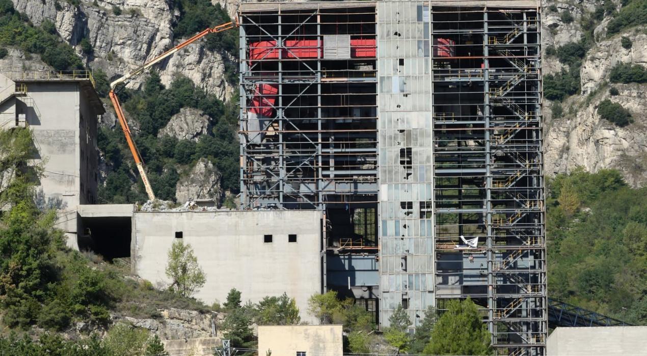 El desmuntatge d'una bastida a la central tèrmica de Cercs propicia una nova denúncia de la Plataforma Anti-incineradora